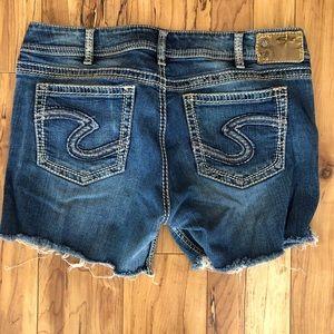 Silver Suki jean shorts size women's W34/L32
